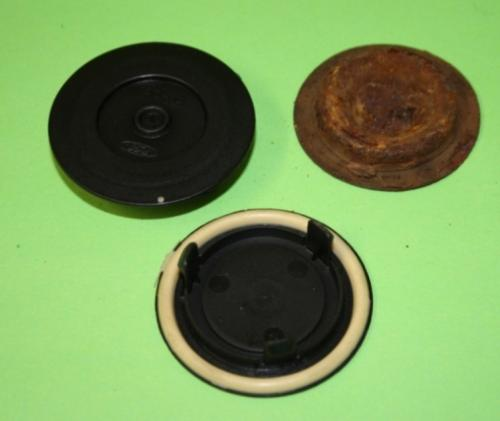 Floor Bung / Plug - Genuine Ford (plastic)